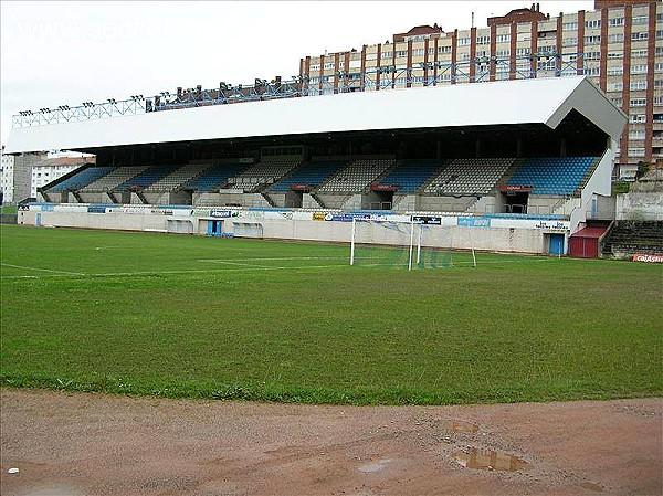 Estadio rom n su rez puerta stadion in avil s for Puerta 9 estadio universitario