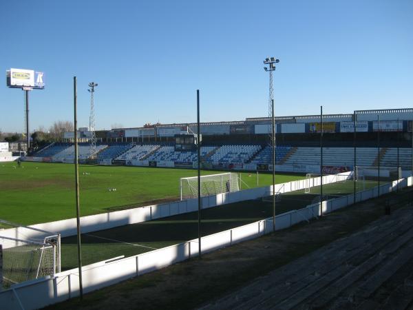 Estadio municipal el soto stadion in m stoles comunidad for Piscina el soto mostoles