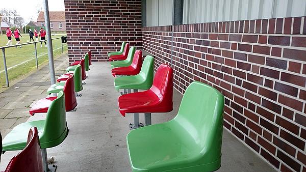 sportanlage aawiesen stadion in twist neuringe. Black Bedroom Furniture Sets. Home Design Ideas