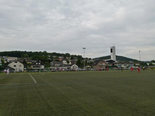 Sportplatz Auf der Au (KR) - Stadion in Neunkirchen/Siegerland
