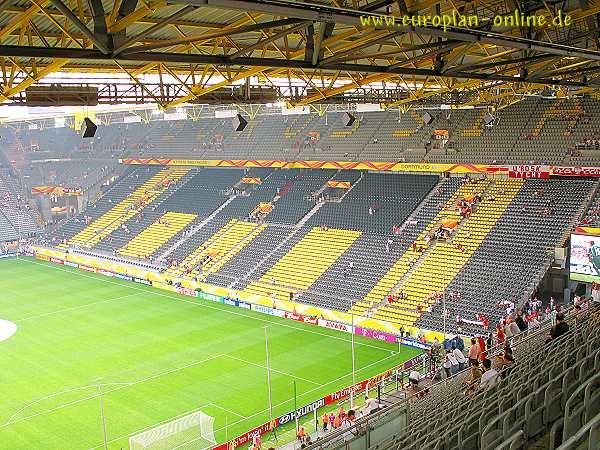 Sitzplätze bvb stadion BVB: Vorerst