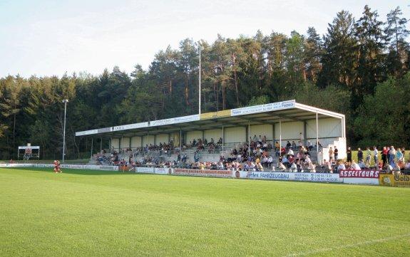 Willy-Schillig-Stadion - Stadion in Ebersdorf-Frohnlach