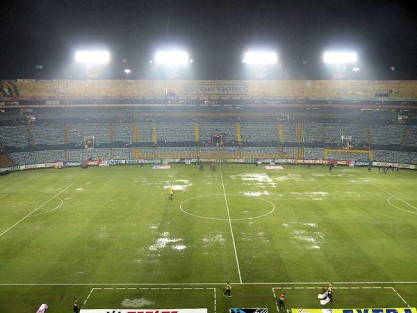 Estadio universitario de nuevo le n stadion in san for Puerta 9b estadio universitario