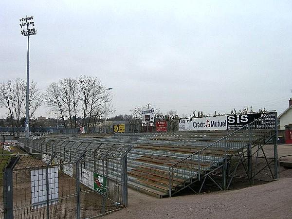 Stade des alouettes stadion in montceau les mines for Piscine de montceau les mines