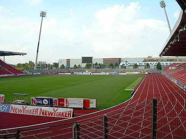Eintracht-Stadion - Stadion in Braunschweig