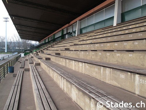Stade municipal amn ville stadion in amn ville les thermes for Amneville les thermes piscine