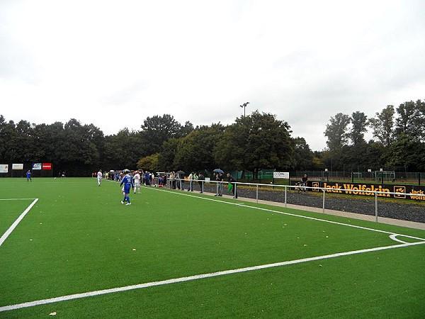 lukas podolski sportpark