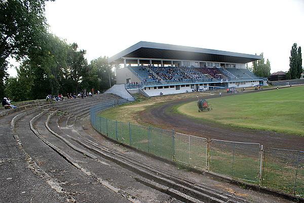Štadión KFC - Stadion in Komárno